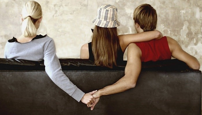Twitter User Advises Ladies On How To Deal With Their Cheating Husbands