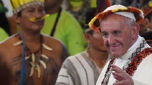 Catholic Church: Could Pope Francis say 'yes' to married priests?