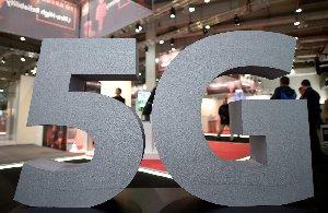 EU announces strict 5G rules, but no Huawei ban