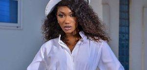 'Wo yare' – 'Childish' Wendy Shay jabbed over Akufo-Addo tweet